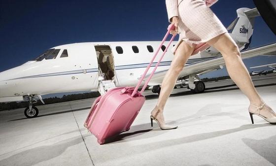 """""""Романтики нет"""": Казахстанская стюардесса откровенно рассказала о своей работе"""