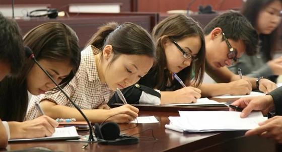 Казахстанская молодежь получит 20 тыс. новых грантов