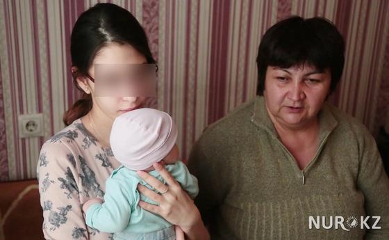 15 жасында күйеуге шыққан Анель енесі Рая Утепбергеновамен. Фото: Петр Карандашов.