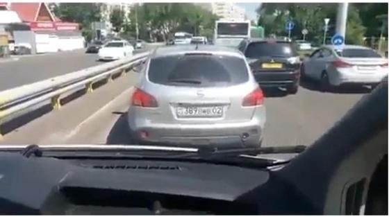 Полиция Алматы: Водитель, не пропустивший скорую помощь, наказан