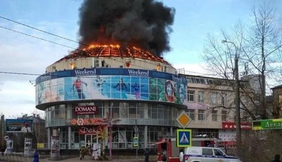 Загоревшийся в Архангельске ТЦ не проверили после кемеровской трагедии