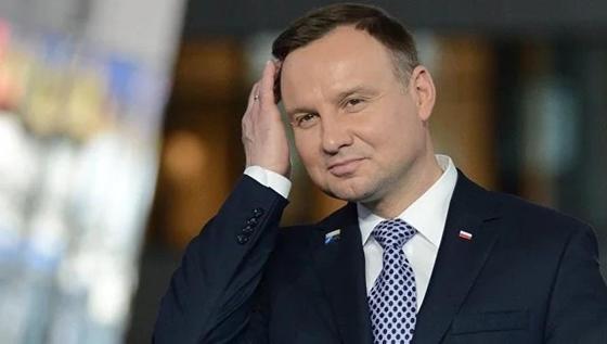 Кортеж президента Польши столкнулся с мальчиком на самокате
