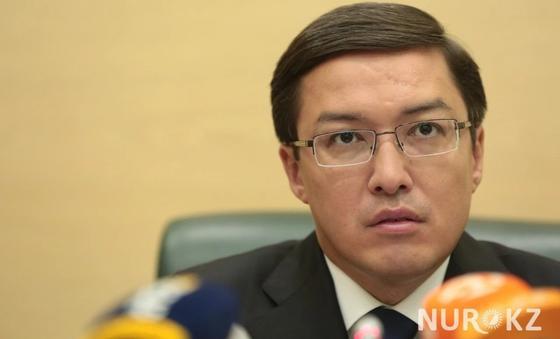 Акишев рассказал, почему пять банков лишились лицензии в Казахстане