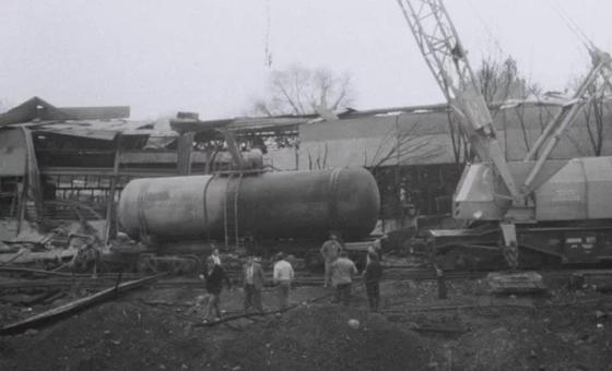 1989 жылы Алматы-2 вокзалындағы өрттен кейінгі сәт. Фото: Мұрағат.