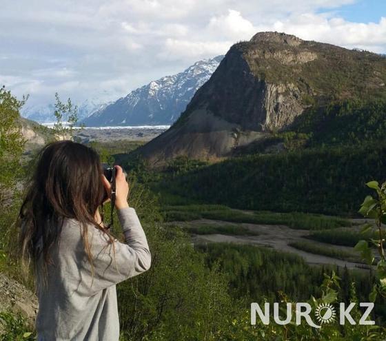 Медведи воруют еду со свалки: казахстанка рассказала о жизни на Аляске