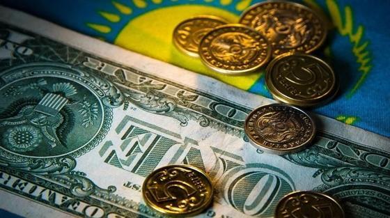 Эксперт: Если рубль не подведет, то тенге укрепится до 325-335 за доллар