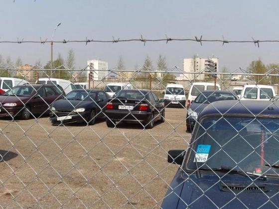Уральских водителей пугают штрафами за покупку машин с российскими номерами