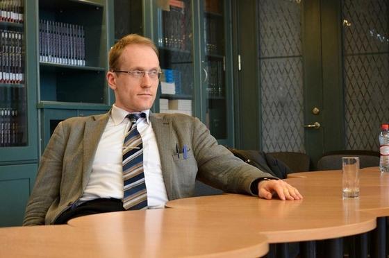 Российский ученый поймал казахстанских чиновников и учителей на воровстве