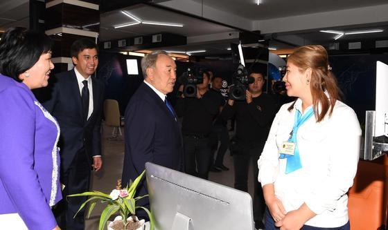 Назарбаев похвалил шымкентцев за трудолюбие