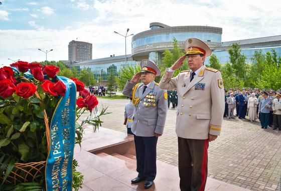 День полиции празднуют в Казахстане