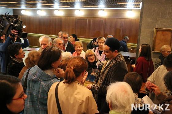 Итальянцы устроили столпотворение на казахоязычной премьере «Абая» в Италии (фото, видео)