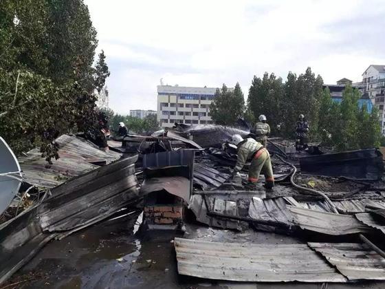 5-этажка горела в центре Алматы: 100 человек эвакуировали (фото, видео)