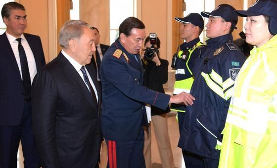 Назарбаев: Нам требуются полицейские новой формации