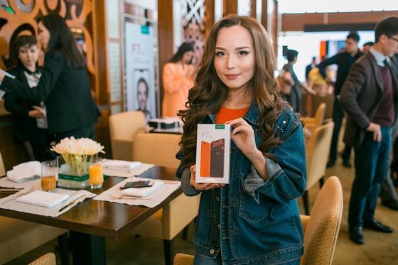 Казахстанцам предложили проявить себя настоящего на селфи
