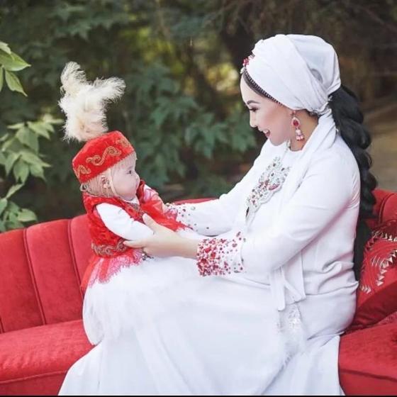 Каракат Абильдина опубликовала фото 5-месячной дочери