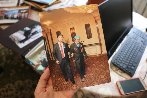 «Спасибо за жизнь»: Сотрудники КазМунайГаз поздравили ветеранов