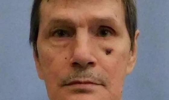 Убийца выжил после смертной казни благодаря раку и наркотикам (фото)
