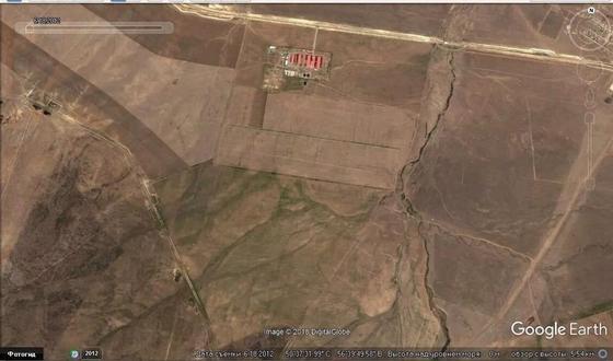 Снимок той же территории за 2012 год, поливных участков нет