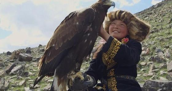 Он үш жасар қазақ қызын көру үшін әлемнің 31 елінен туристер ағылды