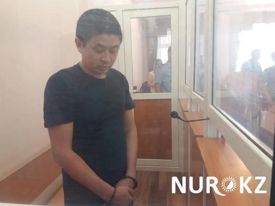 Окровавленное тело женщины возле УВД Уральска: виновнику огласили приговор