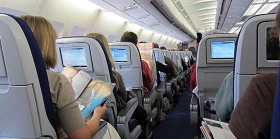Пьяного гражданина Чехии на борту самолета привлекли по 3 статьям в Астане