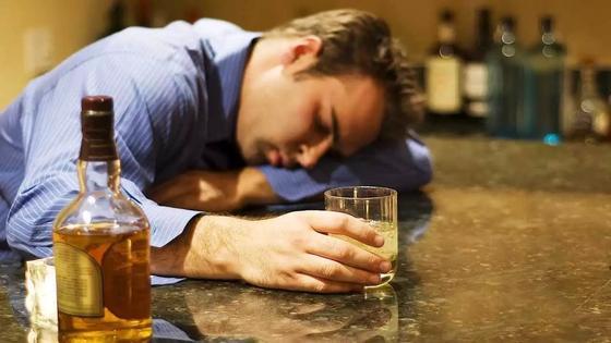 Лечебниц для алкоголиков не хватает в Казахстане
