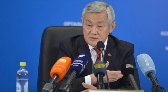 Работать не формально поручил управлению здравоохранения Сапарбаев