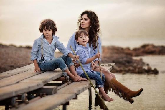Певица Зара и дети