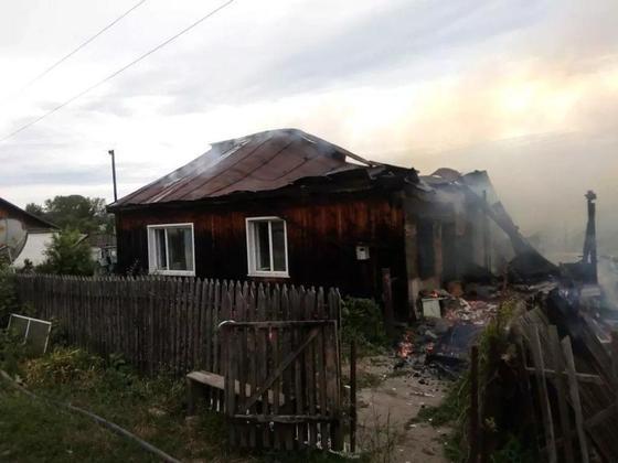 Парень получил ожоги, пытаясь самостоятельно потушить пожар в ВКО