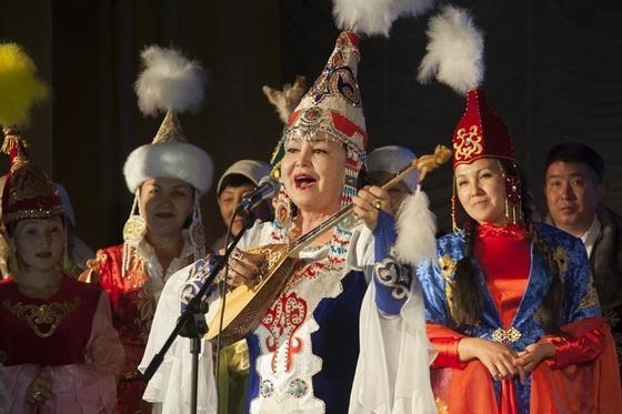 В Жетысу состоялся айтыс в честь юбилея землячки Акын Сары