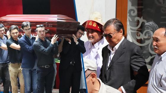 В Алматы простились с погибшим внуком Олажаса Сулейменова (фото)
