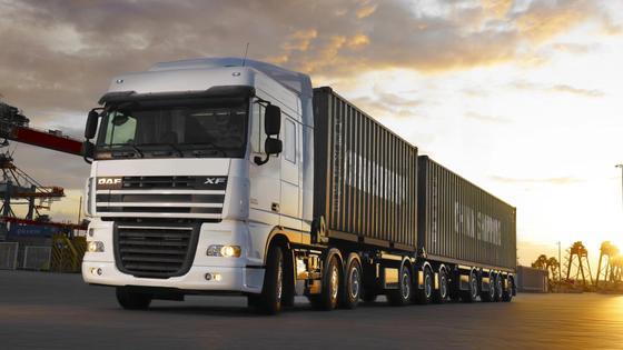 На казахстанских дорогах ввели ограничения для грузовиков