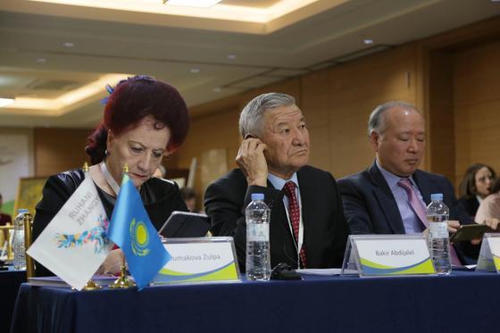 Национальный фонд библиотеки Кореи пополнится книгами Казахстанских авторов, которые будут переведены на корейский язык