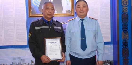 Вооруженный налет: охранник помог задержать грабителя букмекерской конторы в Павлодаре