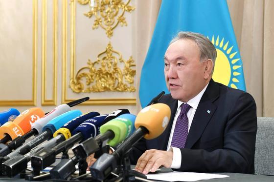 Назарбаев утвердил изменения в казахском алфавите на латинице
