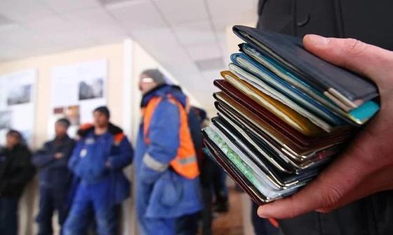 Узбекистанец откупился от инспектора по миграции за 1,1 млн тенге в Караганде