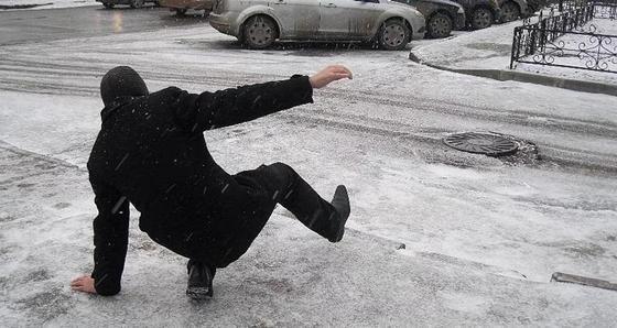 Астанчане раскритиковали уборку снега и льда с дорог