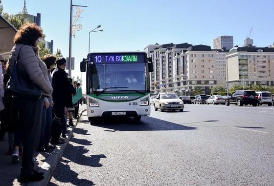 Как оплатить проезд кнопочным телефоном, рассказали в «Astana LRT»