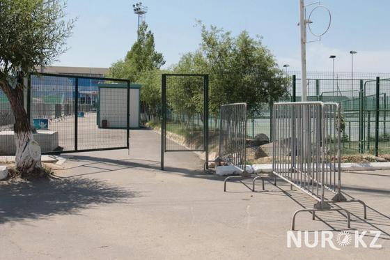 Памятный камень спортсмену выкинули в арык после реакции имама в Кызылорде