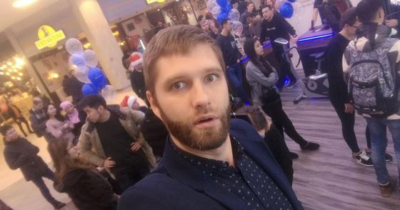 2000$ чаевых и авто за 100 тысяч в подарок: тамада рассказал о казахских тоях