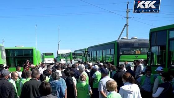 Забастовка работников автопарка в Семее