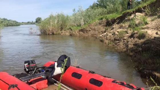 Спасатели проводят поисковые работы