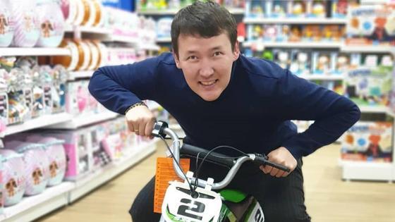 Казахстанский блогер Серик Тлеулесов