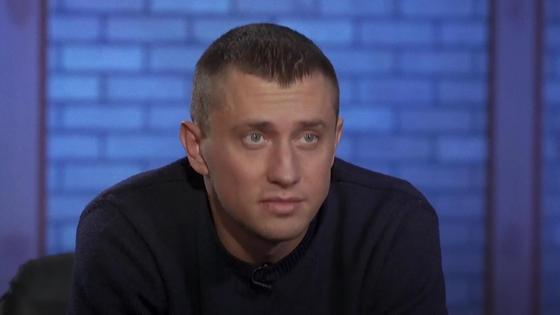 Павел Прилучный в студии на интервью