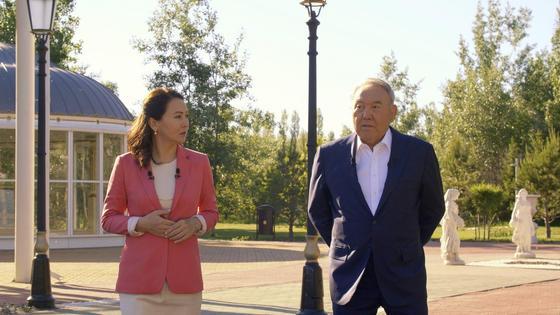 Нұрсұлтан Назарбаев пен Ләззат Танысбай
