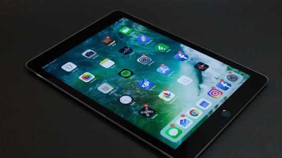 iPad на столе