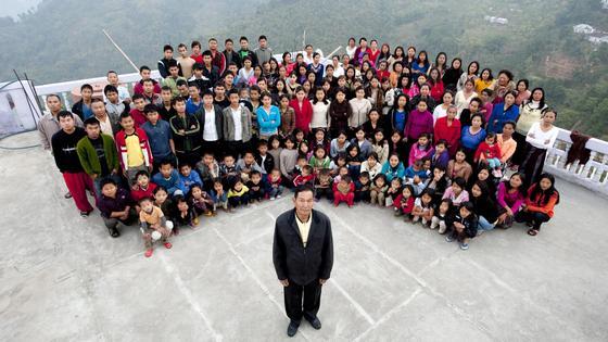 Зиона Чана и его семья