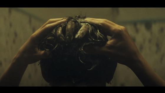 Кадр из фильма «Проклятие» (2020)