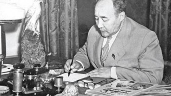 Мухтар Ауэзов: достижения и лучшие произведения