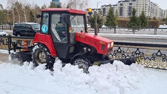 Снегоуборочная техника работает в Нур-Султане